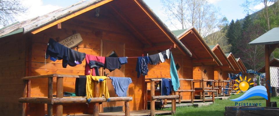 Schulsport kleine Blockhütten